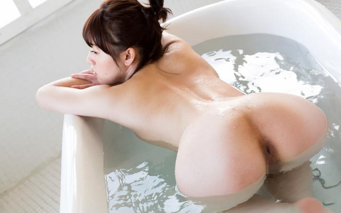 【入浴エロ画像】女の子がお風呂に入っている時…当然だけど全裸なんだよなww 04