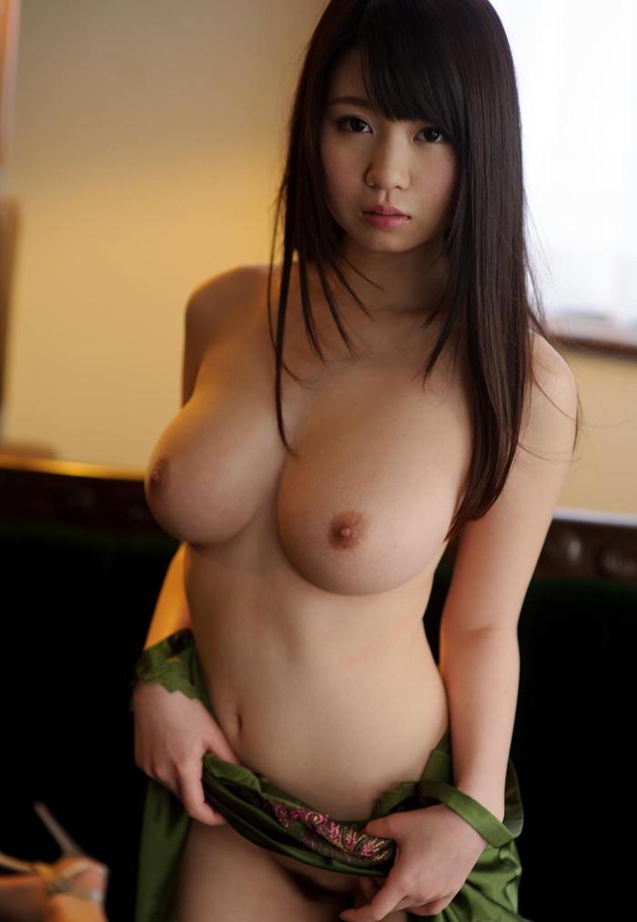 【巨乳エロ画像】こんな大きなおっぱいの彼女がいたら最高だよな!?www 26