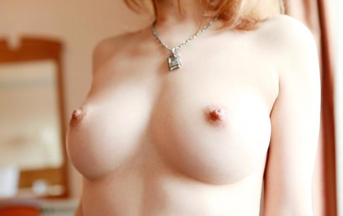 【美乳エロ画像】これは最高のおっぱい!?美乳と呼ぶにふさわしいおっぱい! 06