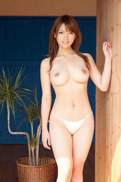 【美乳エロ画像】これは最高のおっぱい!?美乳と呼ぶにふさわしいおっぱい! 17
