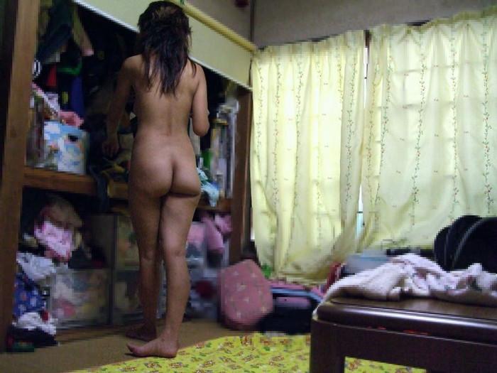 【家庭内盗撮エロ画像】身内、家庭内に盗撮犯がいたら…被害者女性の画像ww 表紙