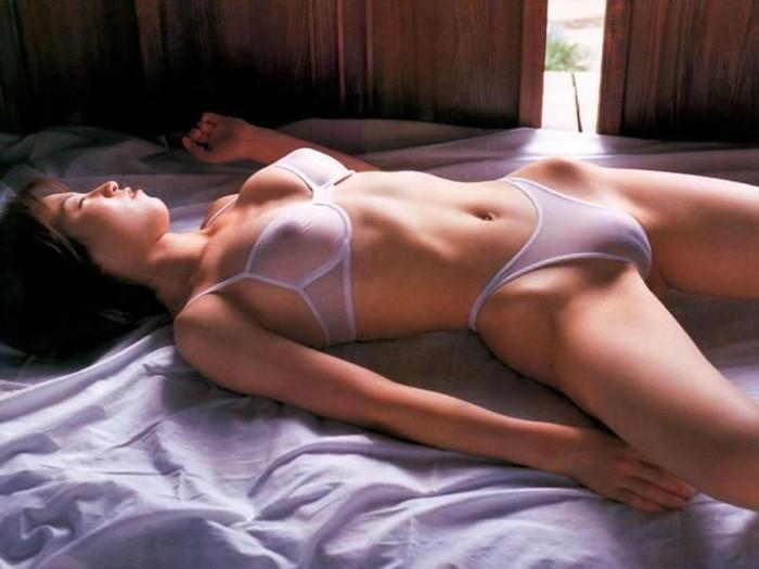 【透け下着エロ画像】セクシーという意味でこれ以上に利にかなった下着ってある? 23