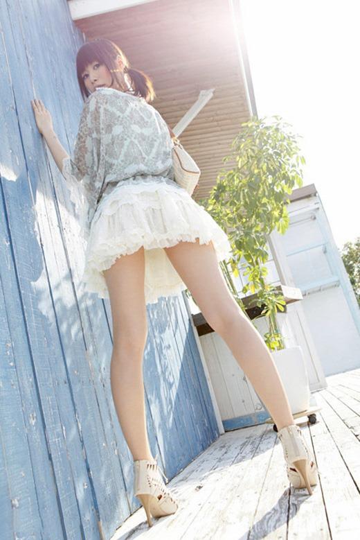 【美脚エロ画像】こんな綺麗な脚の女の子!小一時間舐めまわしたいわ!www 12