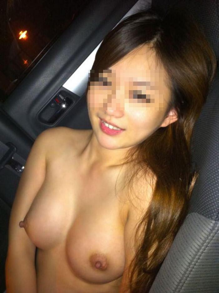 【車内エロ画像】車内という密室で繰り広げられるエロ行為がこちらwwwww 25