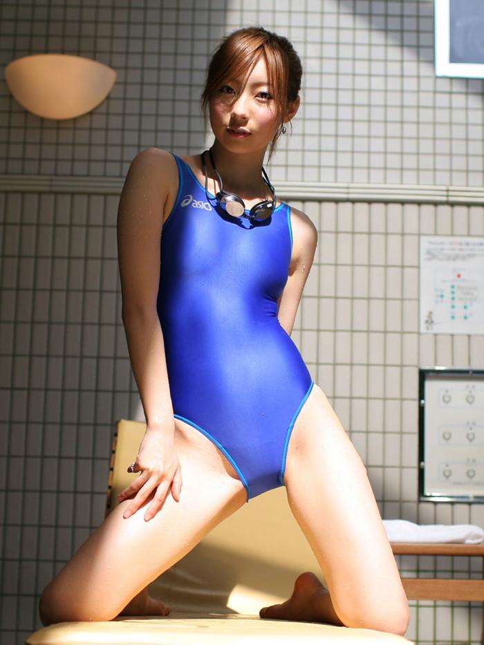 【競泳水着エロ画像】こんな競泳用の水着!ヘタなビキニよりもエロいと思うんだが!? 15