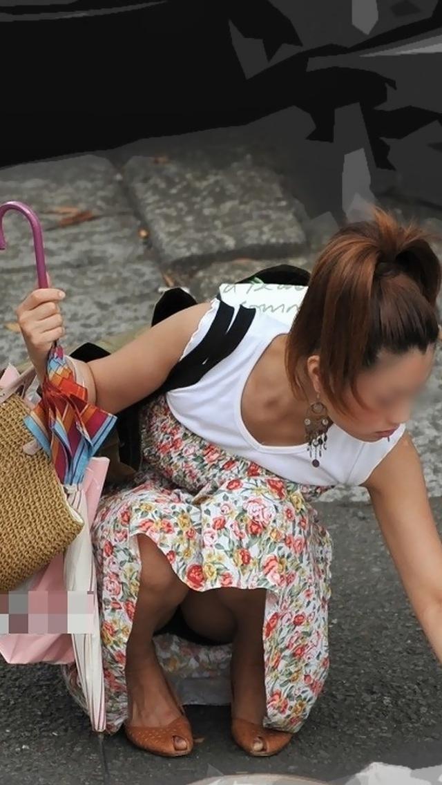 【街撮りパンチラエロ画像】偶然みつけたエロスだから勃起する!素人パンチラ! 10