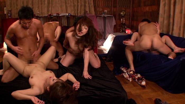 【乱交エロ画像】複数人の男女がくんずほぐれつのセックス祭り!wwww 08