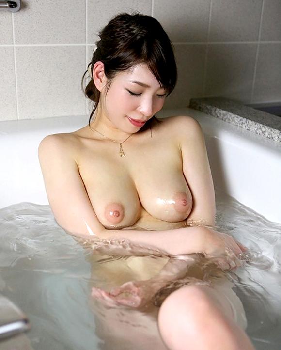 【入浴エロ画像】女の子の入浴している画像集めてたら勃起しちまったwww 19