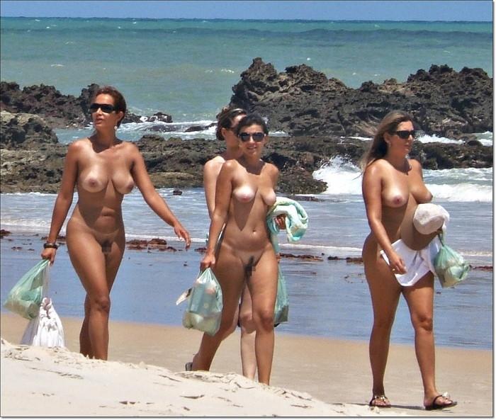 【ヌーディストビーチエロ画像】一度は行ってみたい!ヌーディストが集まるヌーディストビーチ! 15