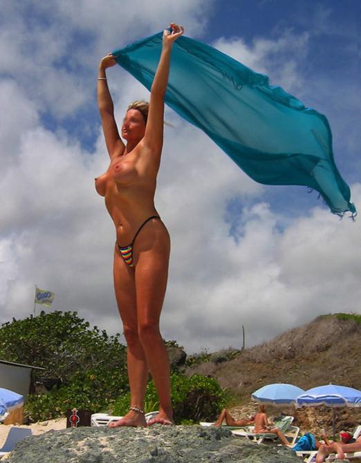 【ヌーディストビーチエロ画像】一度は行ってみたい!ヌーディストが集まるヌーディストビーチ! 25