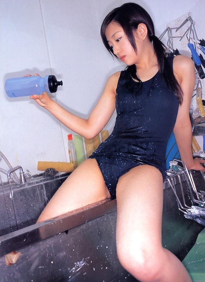【スクール水着エロ画像】マニアが見たがるスクール水着の女の子の画像集めたった! 18