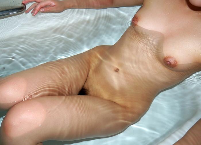 【入浴エロ画像】女の子が全裸でお風呂に入っている画像集めたった!www 21