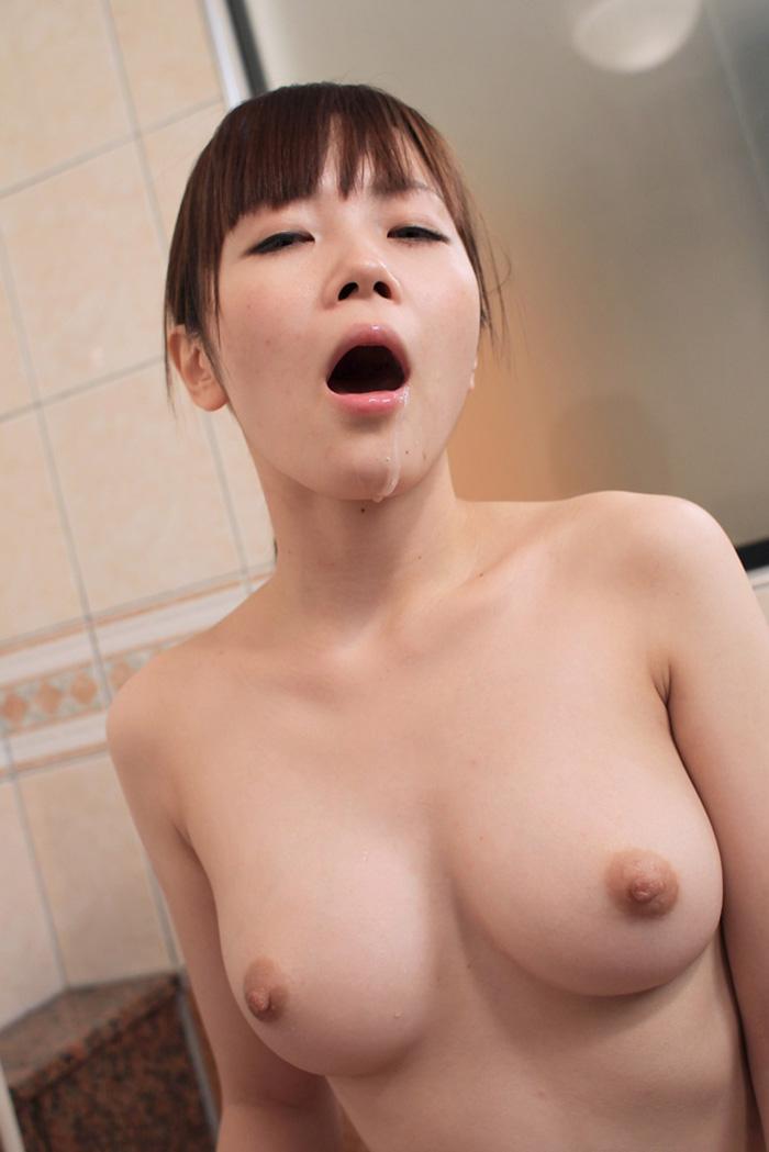 【口内発射エロ画像】女の子の口内で果てる満足感!口内にザーメンを注ぎ込め! 13