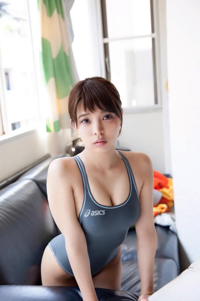 【競泳水着エロ画像】エロすぎ注意!これが競泳用の水着だとは思えない卑猥さww 05