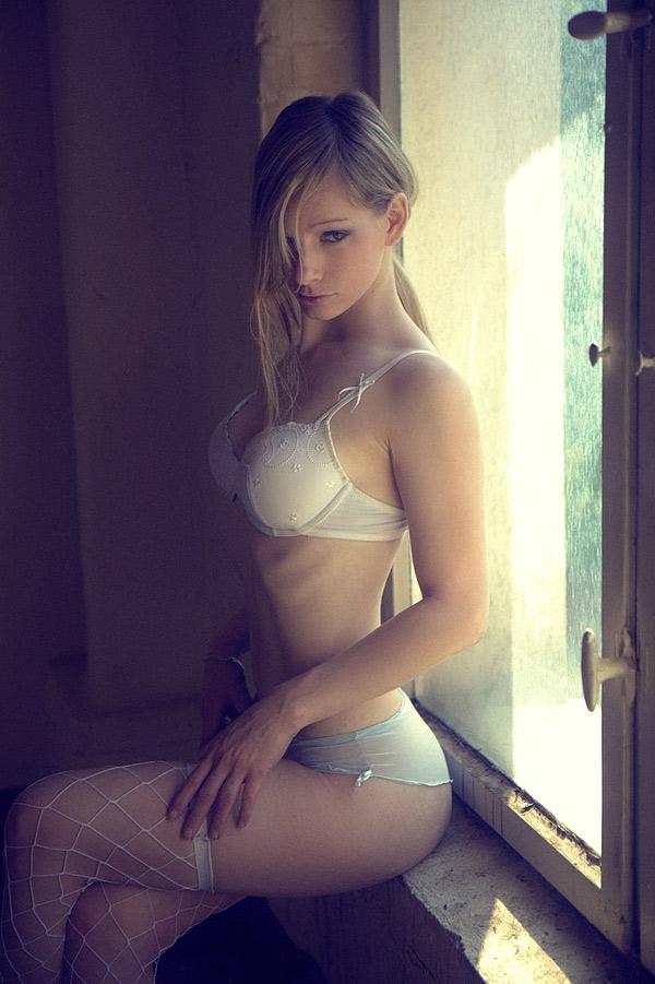 【白人エロ画像】白人の美女たちのこんな艶かしい姿にフル勃起!www 15