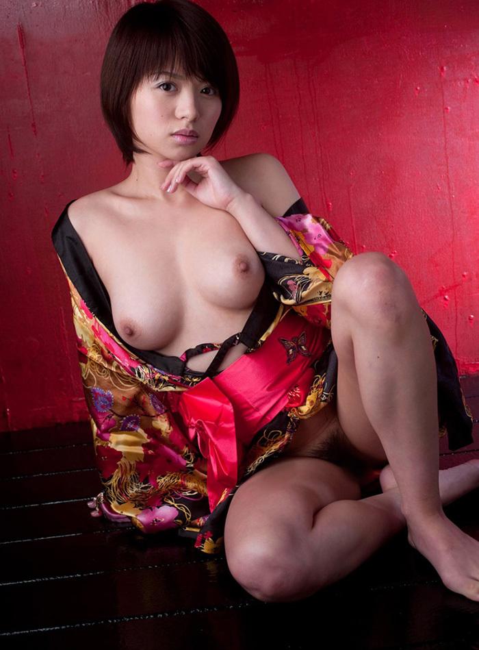 【和服エロ画像】やっぱり自分は日本人だと確信してしまうエロスがこちらww 10