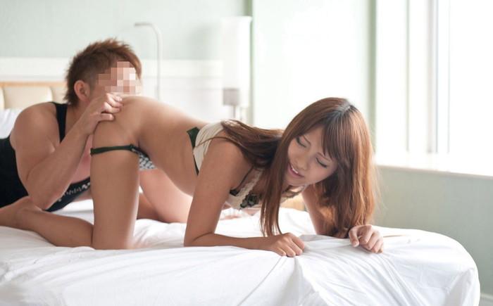 【クンニリングスエロ画像】ねっとりとオマンコを舐めあげる男の舌が気持ちいい? 27