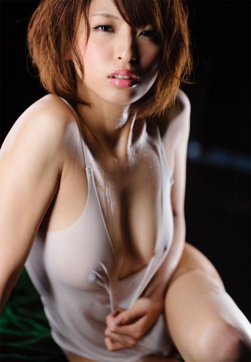 【濡れ透けエロ画像】濡れた着衣は思った以上にスッケスケで際どすぎワロタww 04