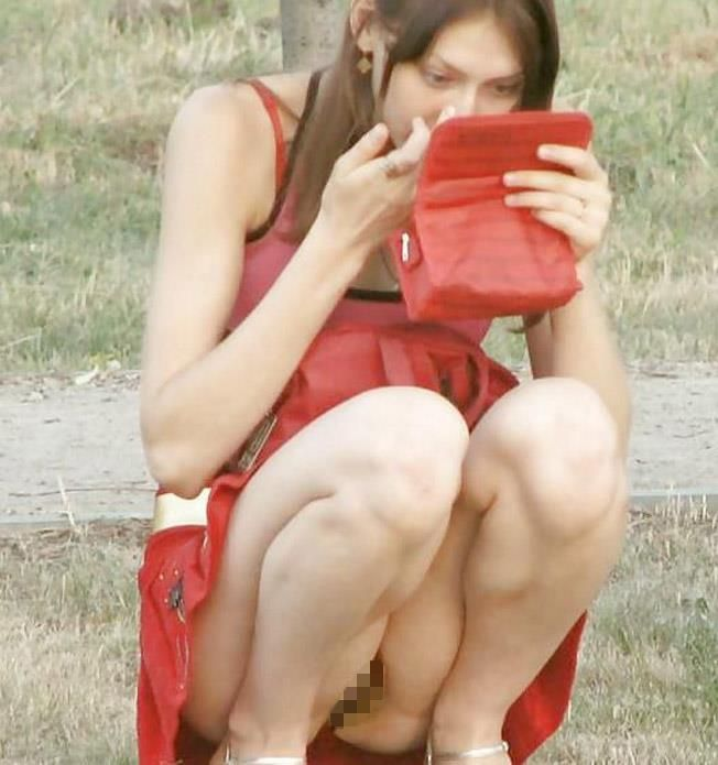 【海外ノーパンエロ画像】めっちゃ大胆!海外の女の子たちのノーパン画像! 06