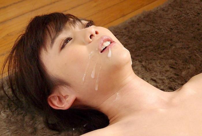 【顔射エロ画像】女の子の顔面を男の欲望で汚すという快感プレイ!?www 05