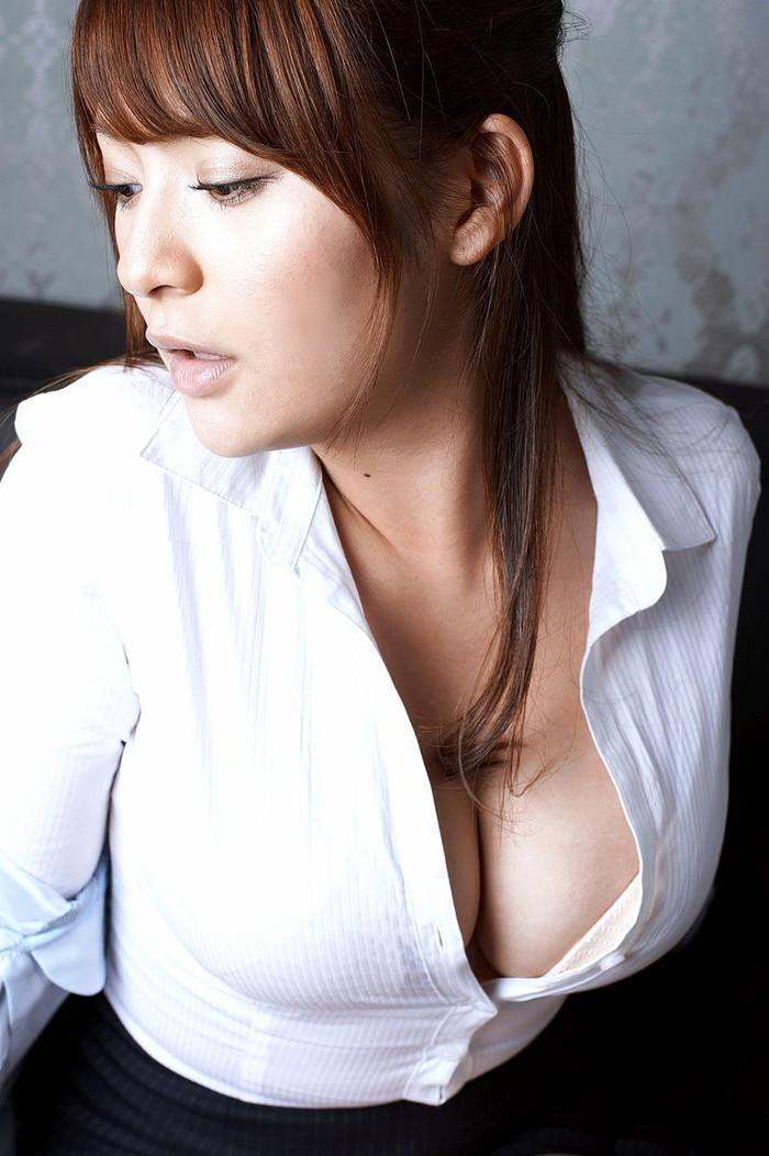 【おっぱい谷間エロ画像】女の子のおっぱいの谷間に顔をうずめてみたい!ww 05