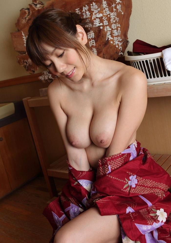 【和服エロ画像】和服姿の女の子って妙に艶っぽいんだよな!?こんなエロスが最高! 02