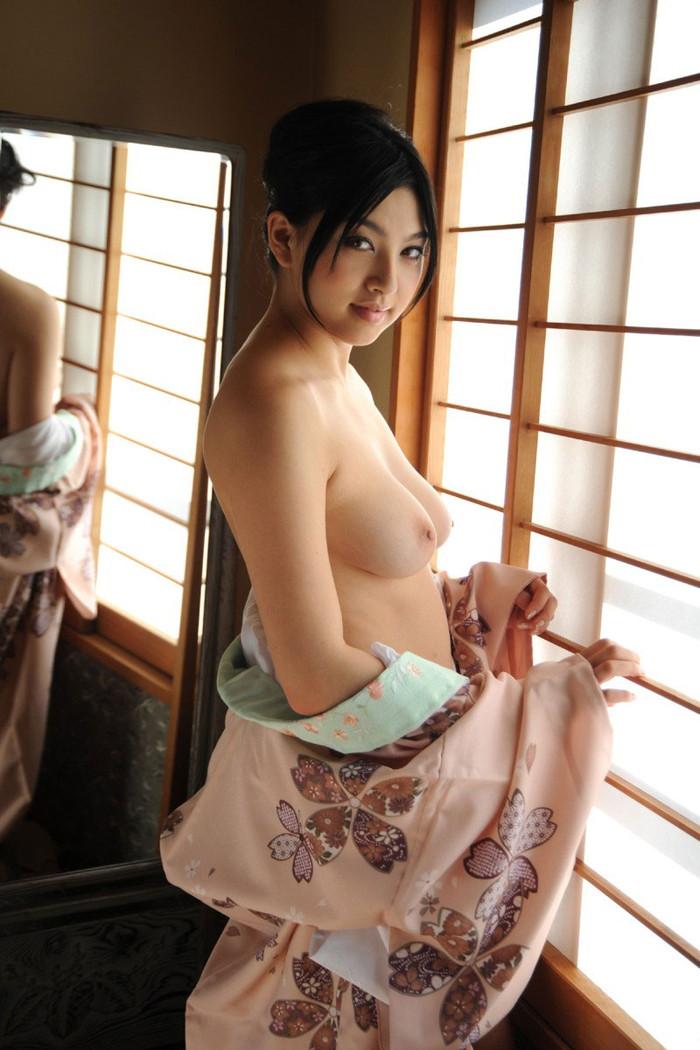 【和服エロ画像】和服姿の女の子って妙に艶っぽいんだよな!?こんなエロスが最高! 09