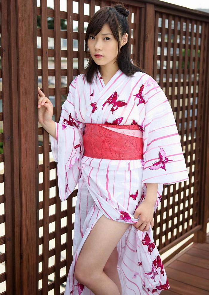 【和服エロ画像】和服姿の女の子って妙に艶っぽいんだよな!?こんなエロスが最高! 14