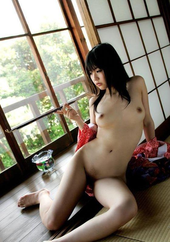 【和服エロ画像】和服姿の女の子って妙に艶っぽいんだよな!?こんなエロスが最高! 24