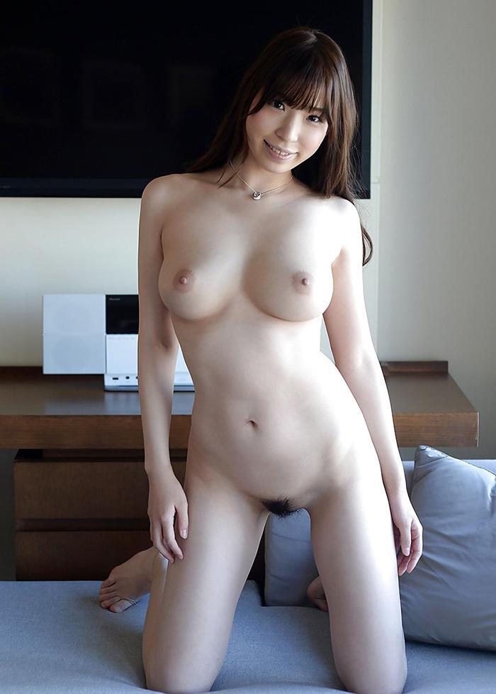 【美乳エロ画像】女の子のおっぱいは美乳に限る!っていうやつ寄って来い! 01