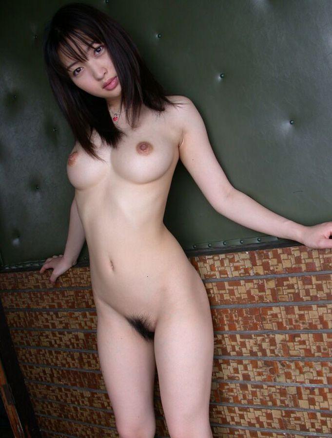 【美乳エロ画像】女の子のおっぱいは美乳に限る!っていうやつ寄って来い! 02