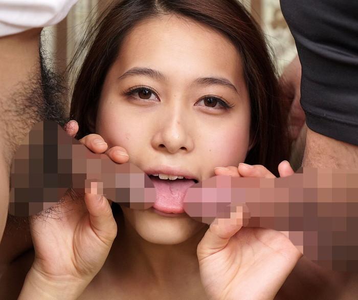 【複数フェラエロ画像】欲張り!?2本のチンポを女の子一人で欲張りフェラwww 20