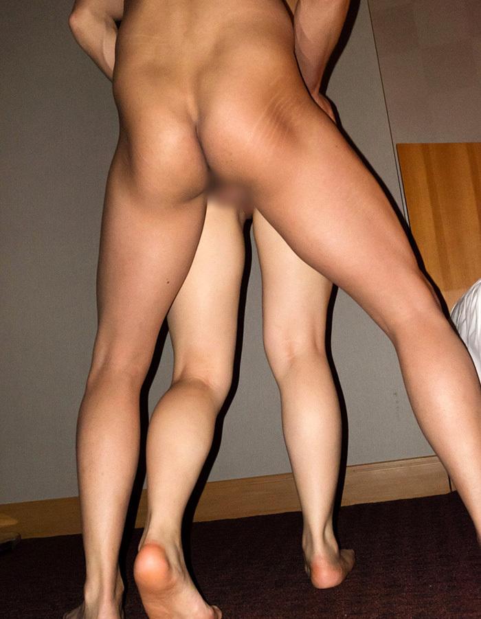 【立ちバックエロ画像】立ったまま女の子とセックス可能な体位といえばこちらw 12