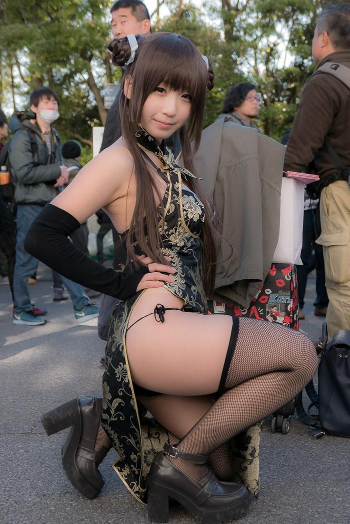 【コミケエロ画像】年々衣装は過激化!コスプレ会場の素人コスプレイヤー! 16