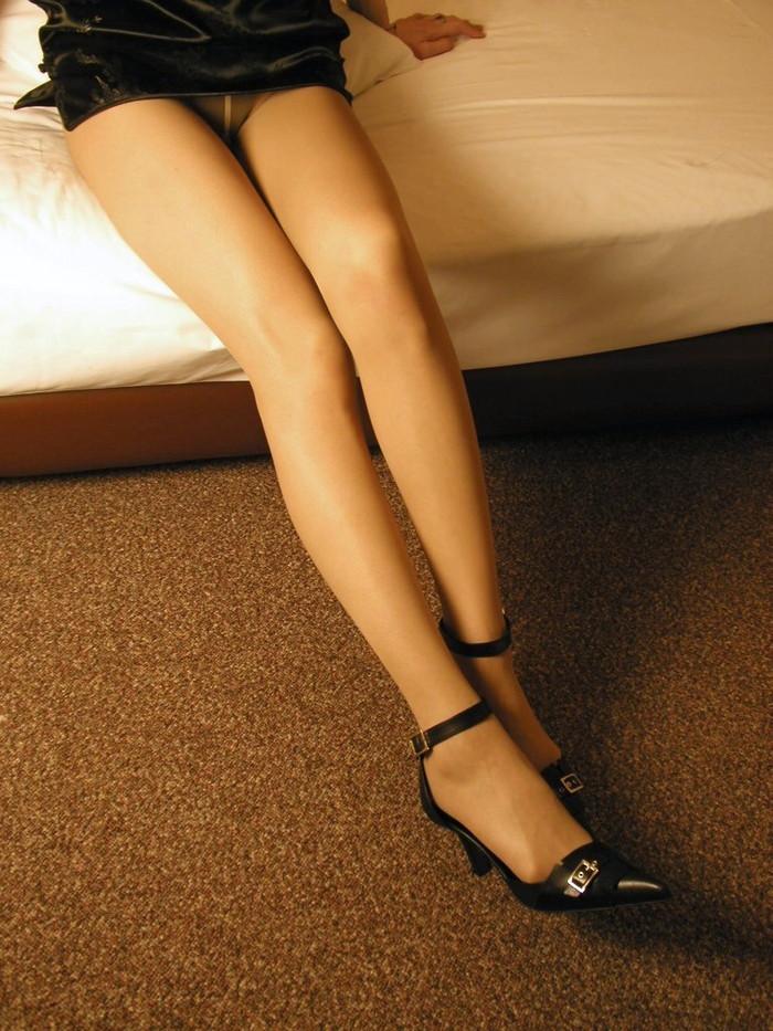 【美脚エロ画像】スラリと伸びる美脚!足フェチには堪らない美脚画像集めたった! 14