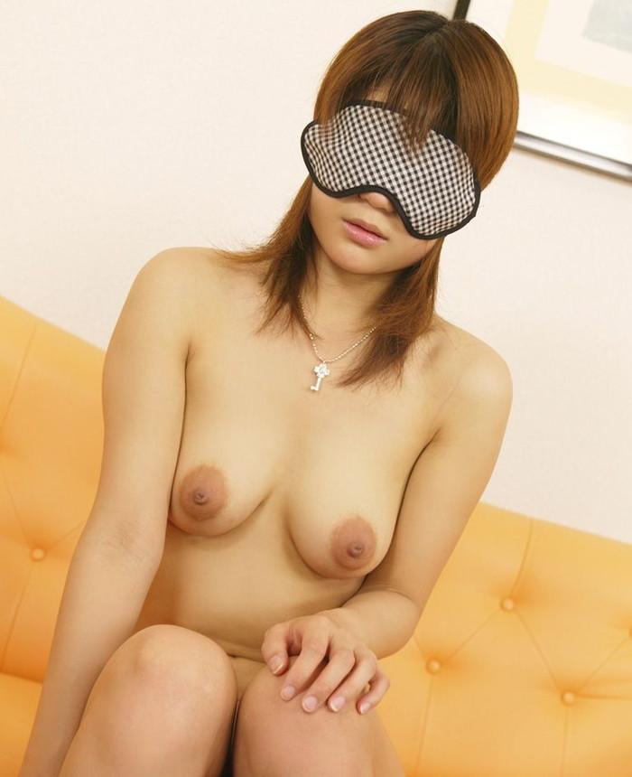【目隠しプレイエロ画像】視界を遮られた女体はいつも以上に敏感に!?ww 03