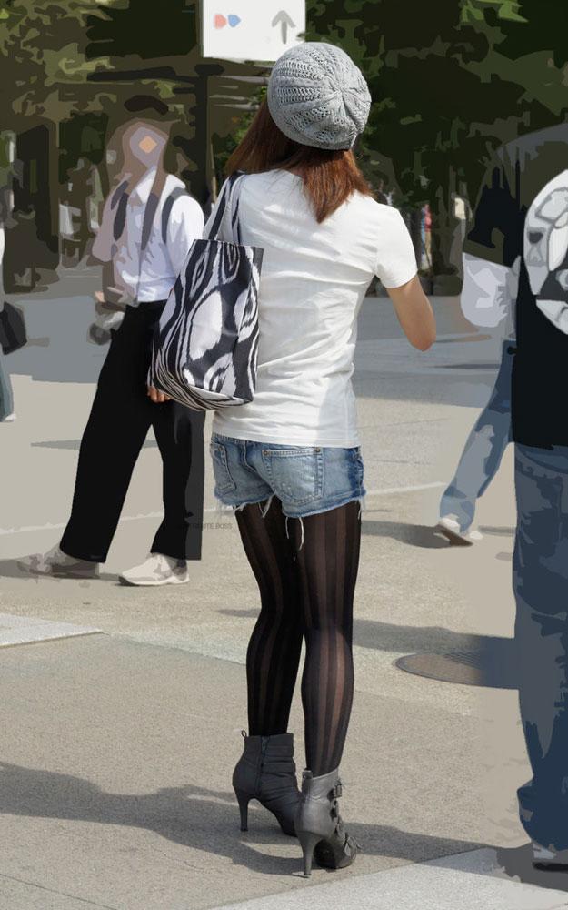 【街撮りホットパンツエロ画像】街中で見かけたホットパンツ女子から目が離せないwww 20