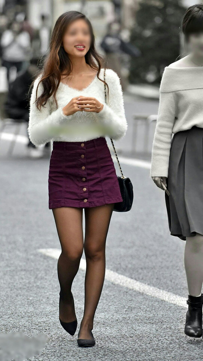 【美脚エロ画像】街中で見かけた美脚なおねーさんを隠し撮りしてみた結果! 13