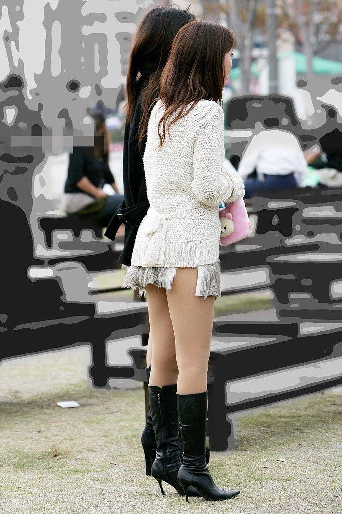 【美脚エロ画像】街中で見かけた美脚なおねーさんを隠し撮りしてみた結果! 17