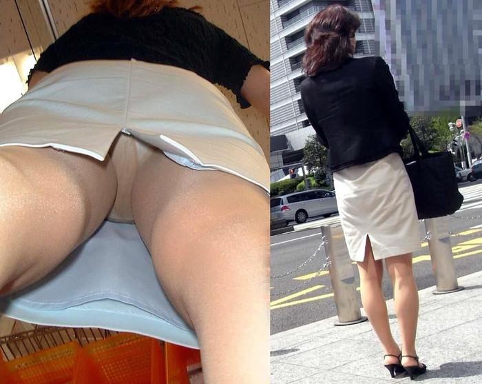 【逆さ撮りエロ画像】街行く女の子達のスカートの中身を強引な角度で盗撮!? 25