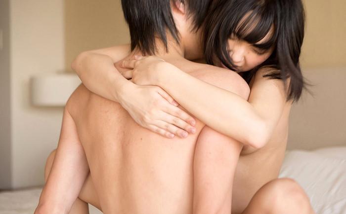 【対面座位エロ画像】向かい合い、見詰め合ってのセックスが可能な愛ある体位! 01