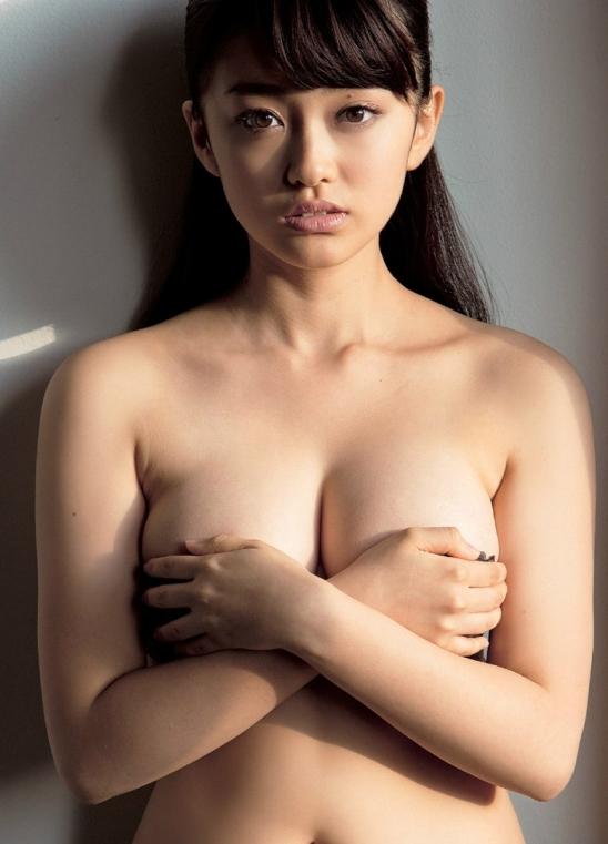 【手ブラエロ画像】おっぱいを包んでいるのはブラではなく手ブラ!wwwwww 05