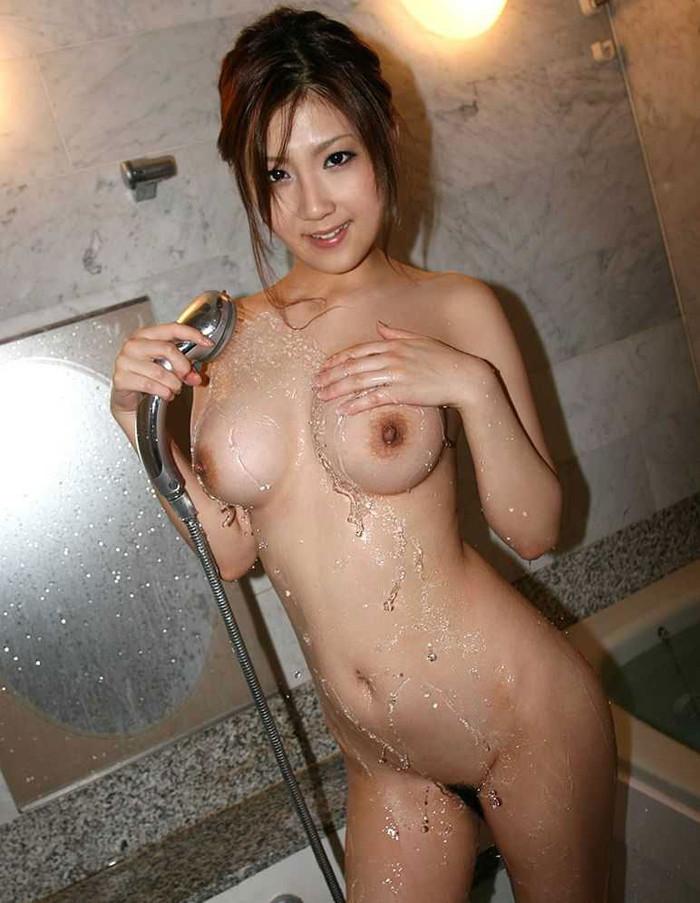 【シャワーエロ画像】女の子のシャワーシーンの画像集めてみたら勃起した!w 09