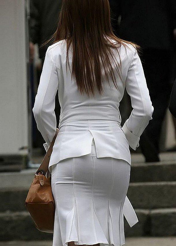 【着衣透けエロ画像】着衣がスケスケ!まるで透視しているかのような着衣の透けたまんさんw 03
