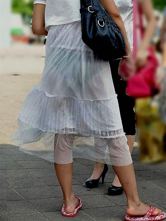 【着衣透けエロ画像】着衣がスケスケ!まるで透視しているかのような着衣の透けたまんさんw 04