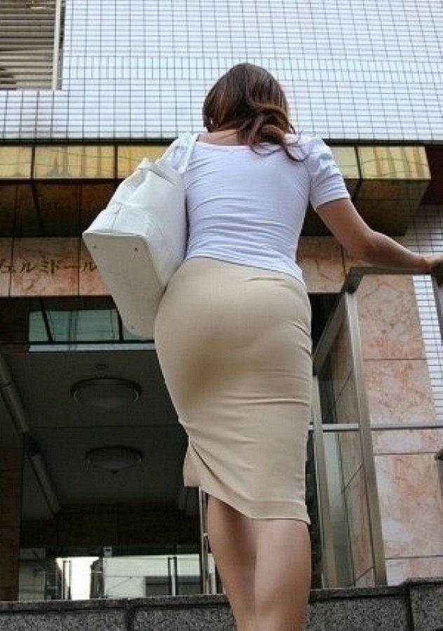 【着衣透けエロ画像】着衣がスケスケ!まるで透視しているかのような着衣の透けたまんさんw 05