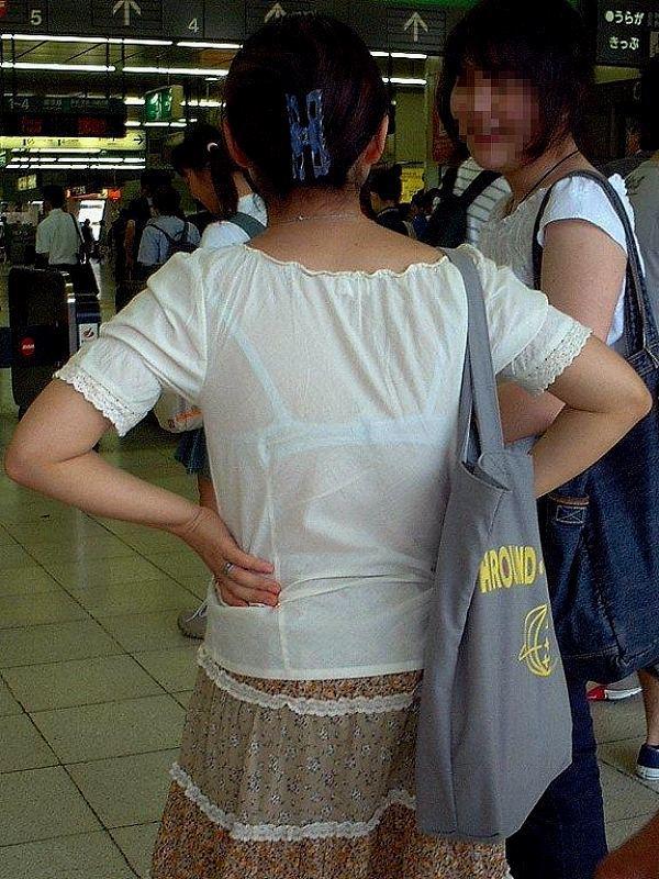 【着衣透けエロ画像】着衣がスケスケ!まるで透視しているかのような着衣の透けたまんさんw 13