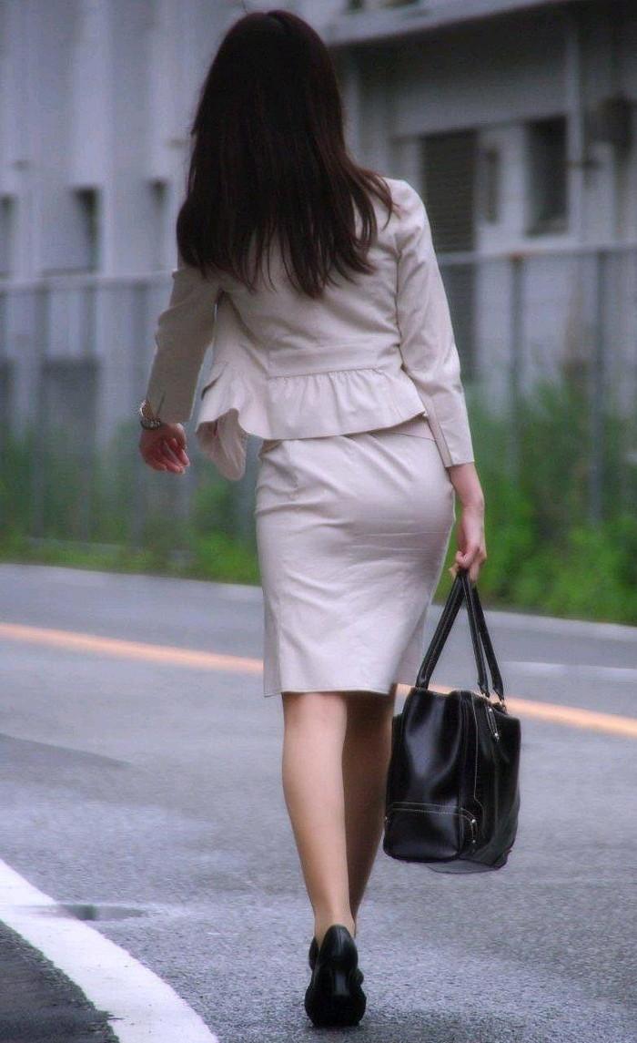 【着衣透けエロ画像】着衣がスケスケ!まるで透視しているかのような着衣の透けたまんさんw 17