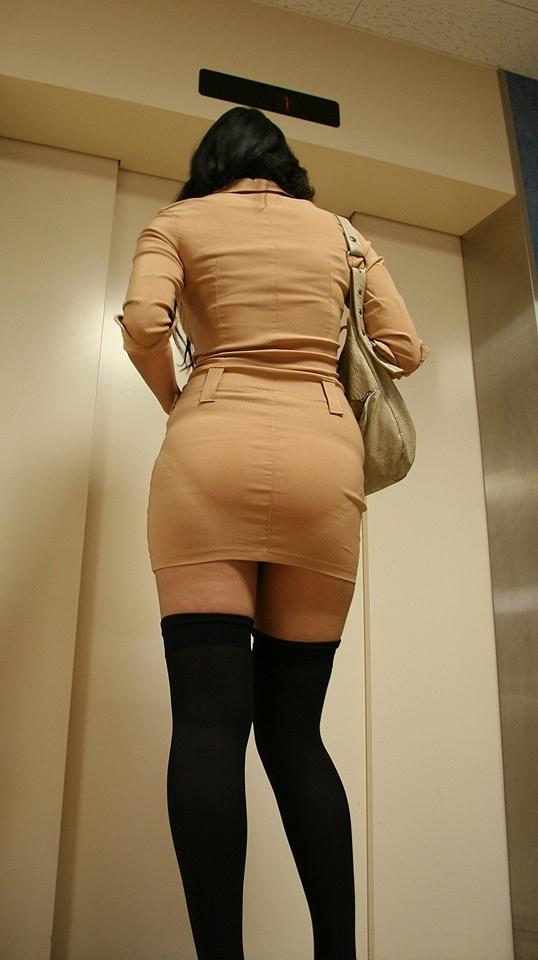 【着衣透けエロ画像】着衣がスケスケ!まるで透視しているかのような着衣の透けたまんさんw 23