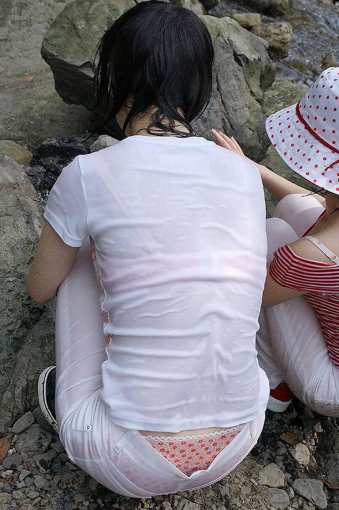 【着衣透けエロ画像】着衣がスケスケ!まるで透視しているかのような着衣の透けたまんさんw 28
